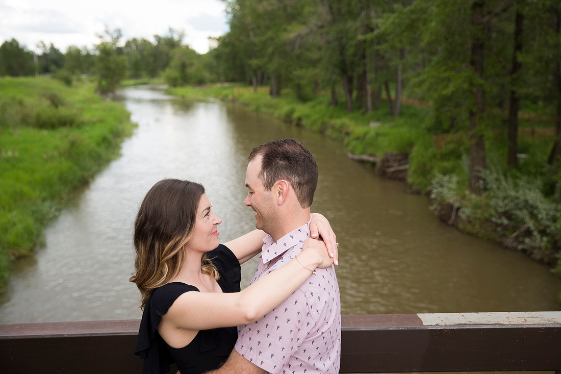 Calgary wedding photographer; Laura and Bryan's Fish Creek Park