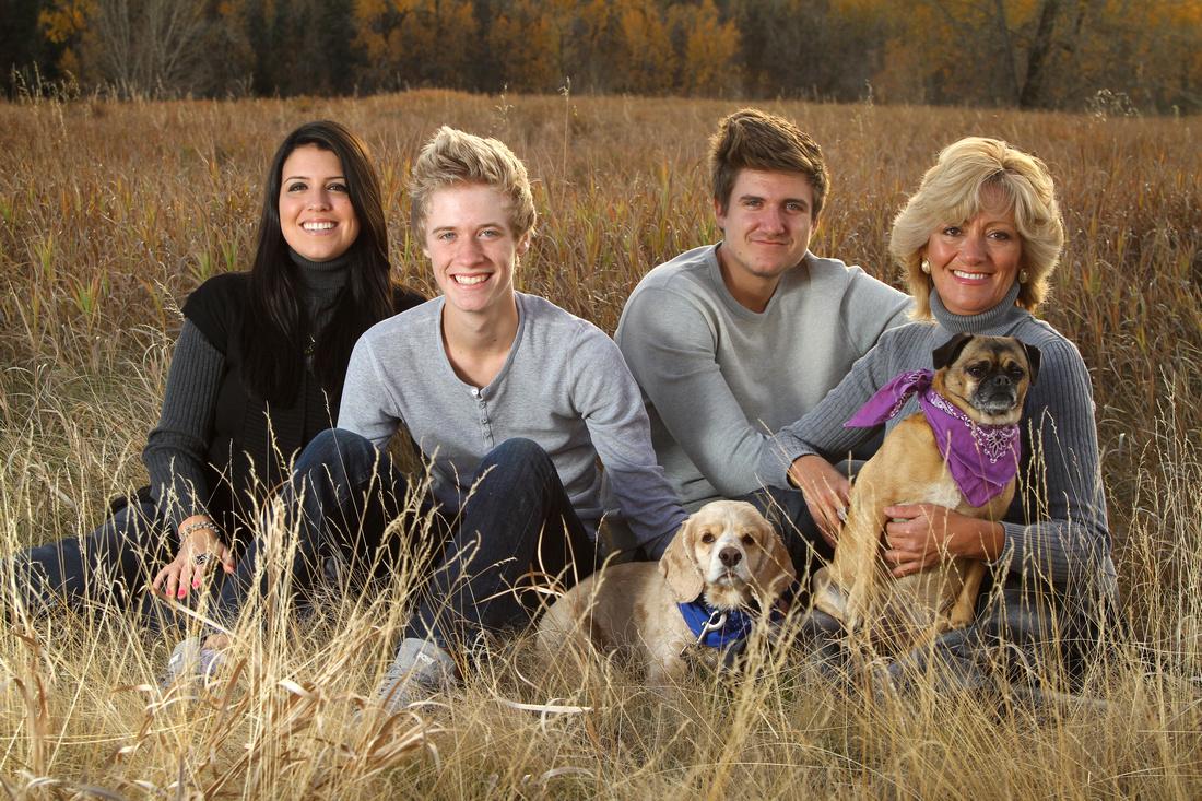 Calgary family photography, calgary family photographer prices, calgary family photo rates